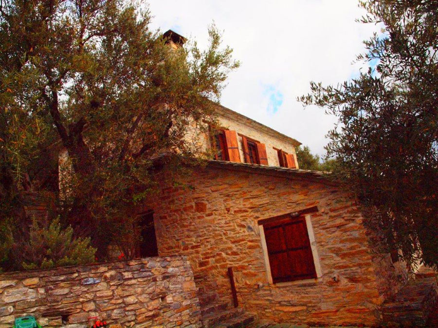 Bird's eye coastal view stone house  - Property Pelion