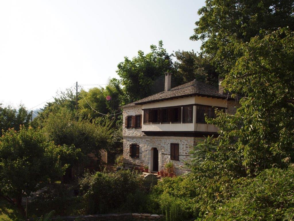 Class and comfort in a Pilion classy village - Property Pelion