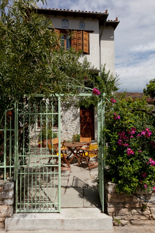 Two storey holiday home a few meters from the beach - Property Pelion