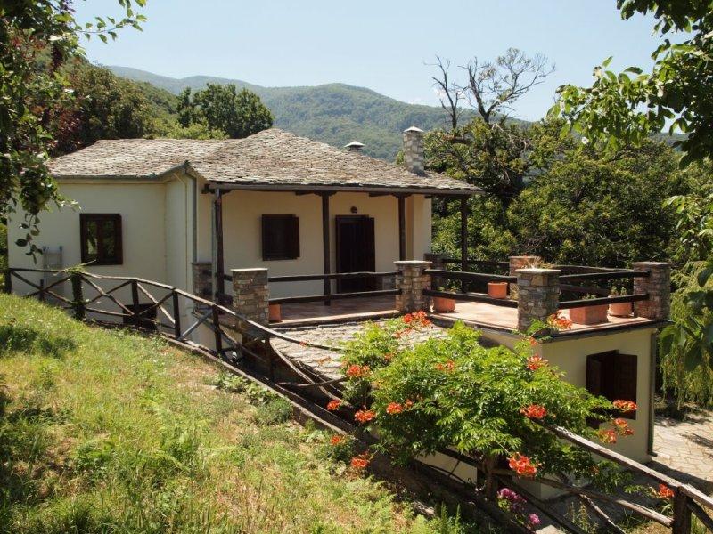 Spacious villa with annex and  gardens in Tsagarada