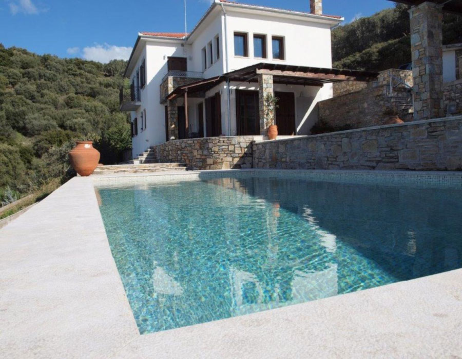 Exceptional villa on an exceptional spot in an exceptional water front village.