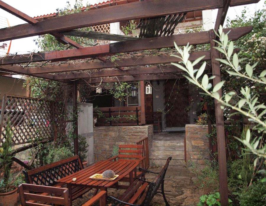 Convenient beach resort/village garden house