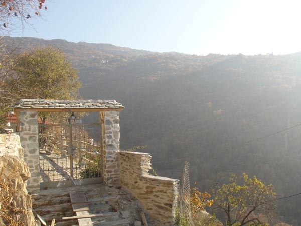 Great views, private atmosphere, total relax, Koukourava Makrinitsa Property - Real Estate Greece